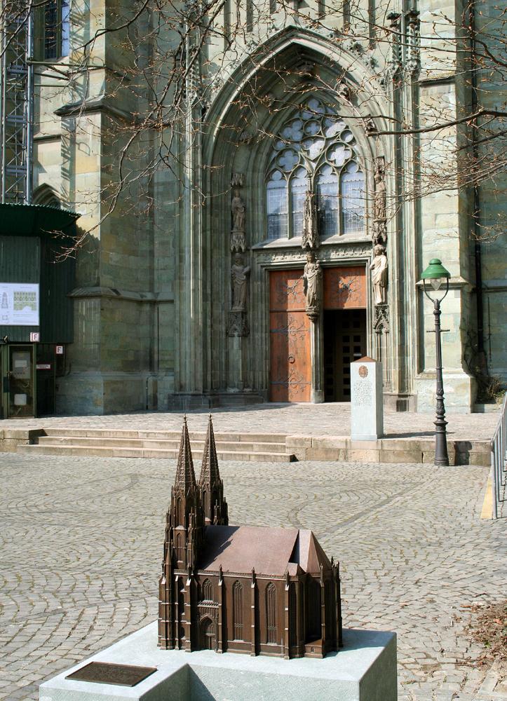Suedportal der 700-jaehrigen Evangelische Kirche 'St Maria zur Wiese' in Soest