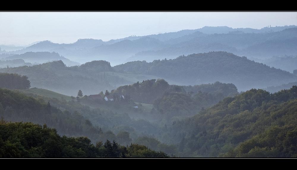 Südsteirische Landschaft am Morgen