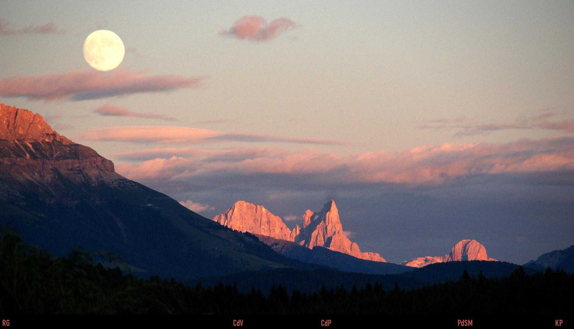 Südtirol: Alpenglühen in der Pala-Gruppe