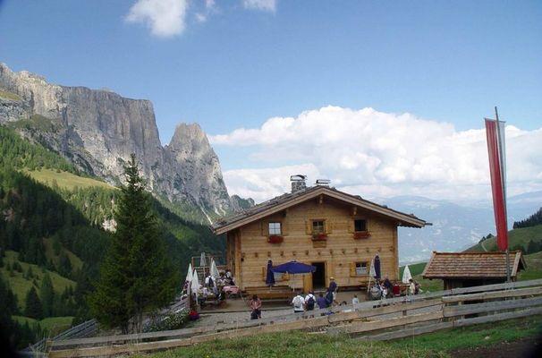 Südtiroler Almhütte