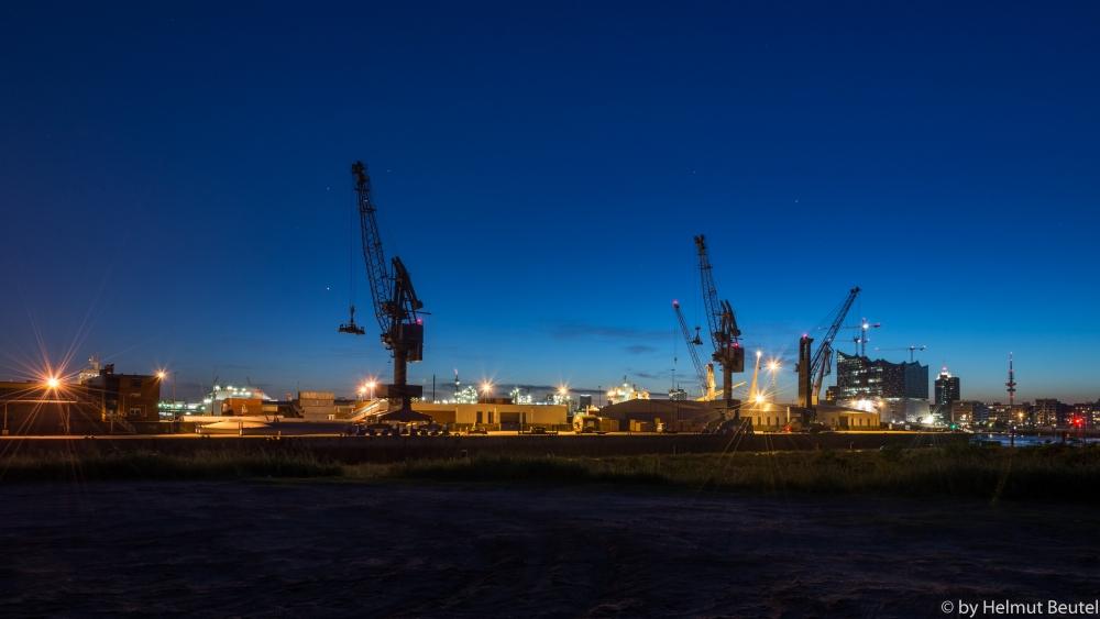 Südwesthafen bei Nacht