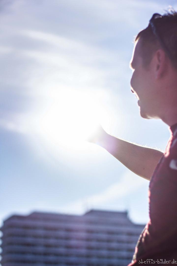 sun eats arm.