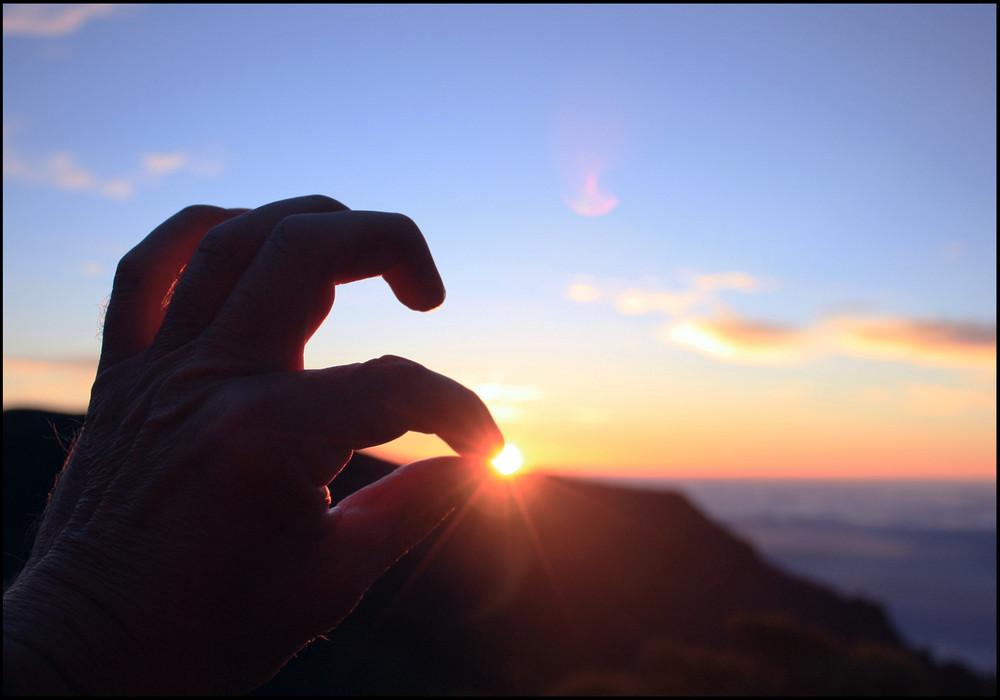 sun in my fingers