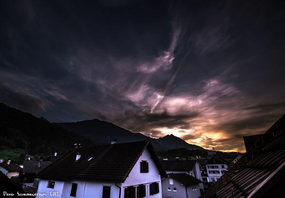 sun rise magneta