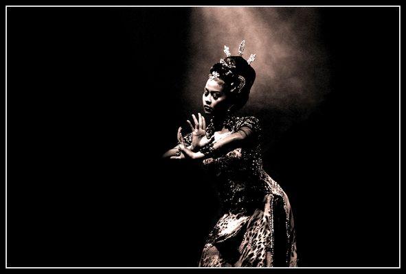 Sundanesische Tänzerin
