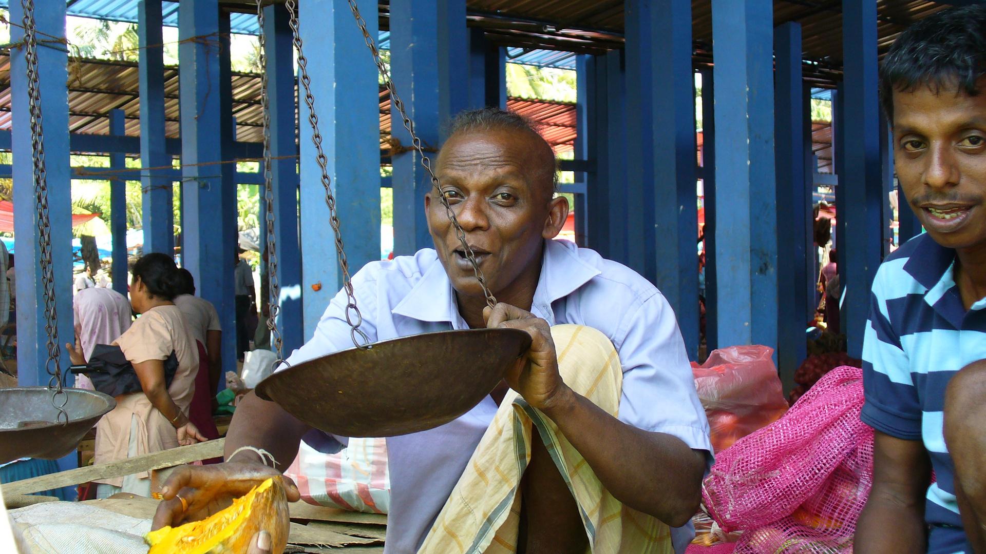 Sunday morning - Fruit market