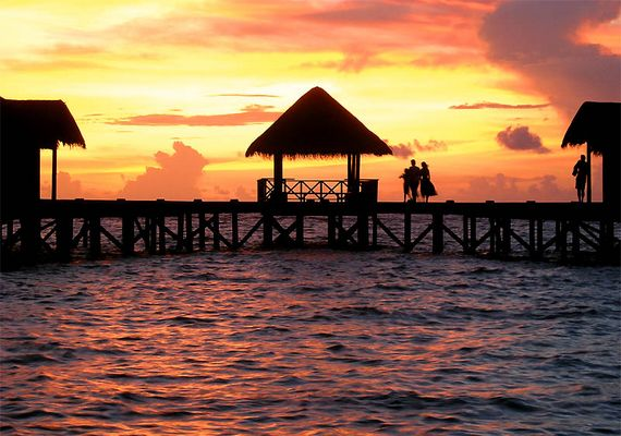 sundown in maledivien