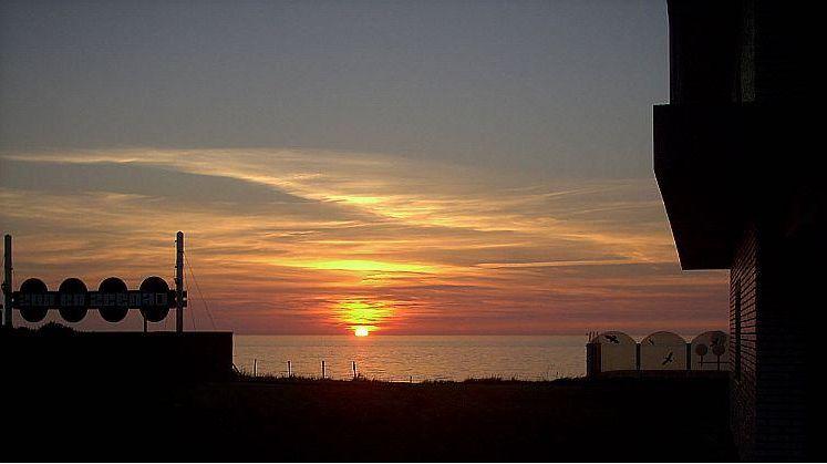 sundown in noordwijk aan zee