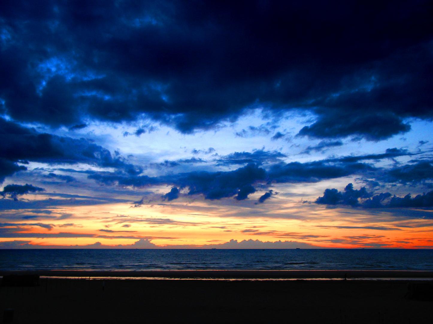 Sundown over the Nordsea in Belgium