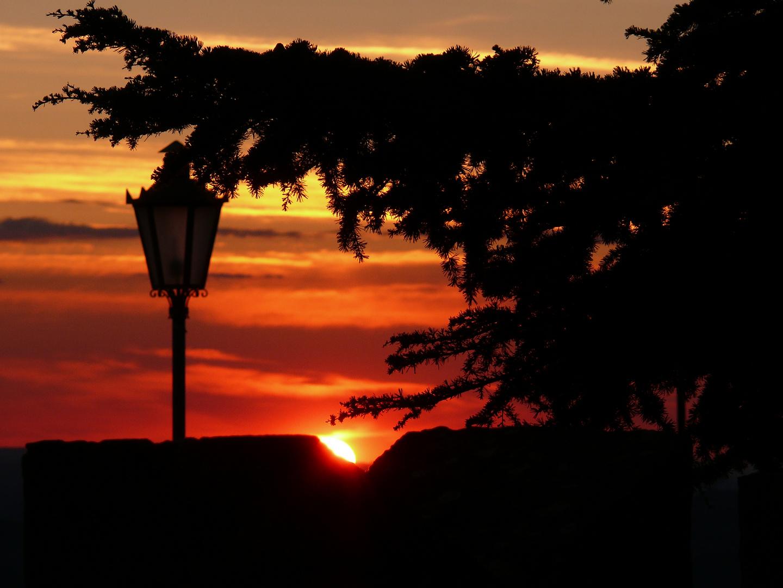 sundown/sunset in san marino