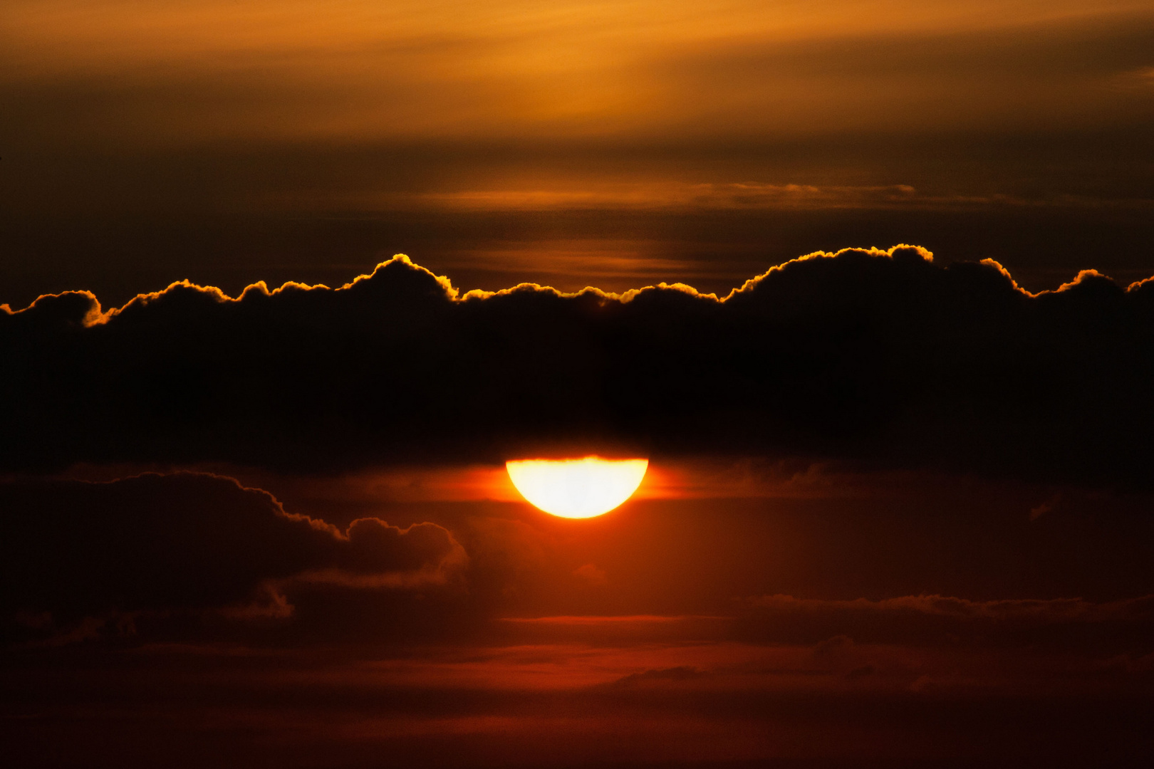 sunny cloud mountain
