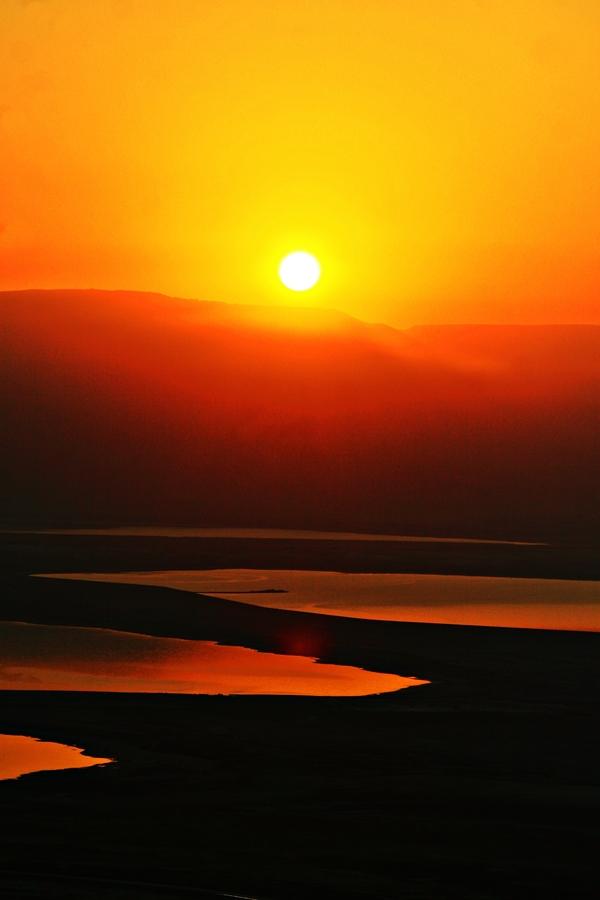 sunrise above jordan
