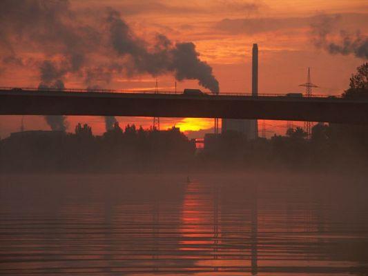Sunrise an der Schiersteiner Brücke