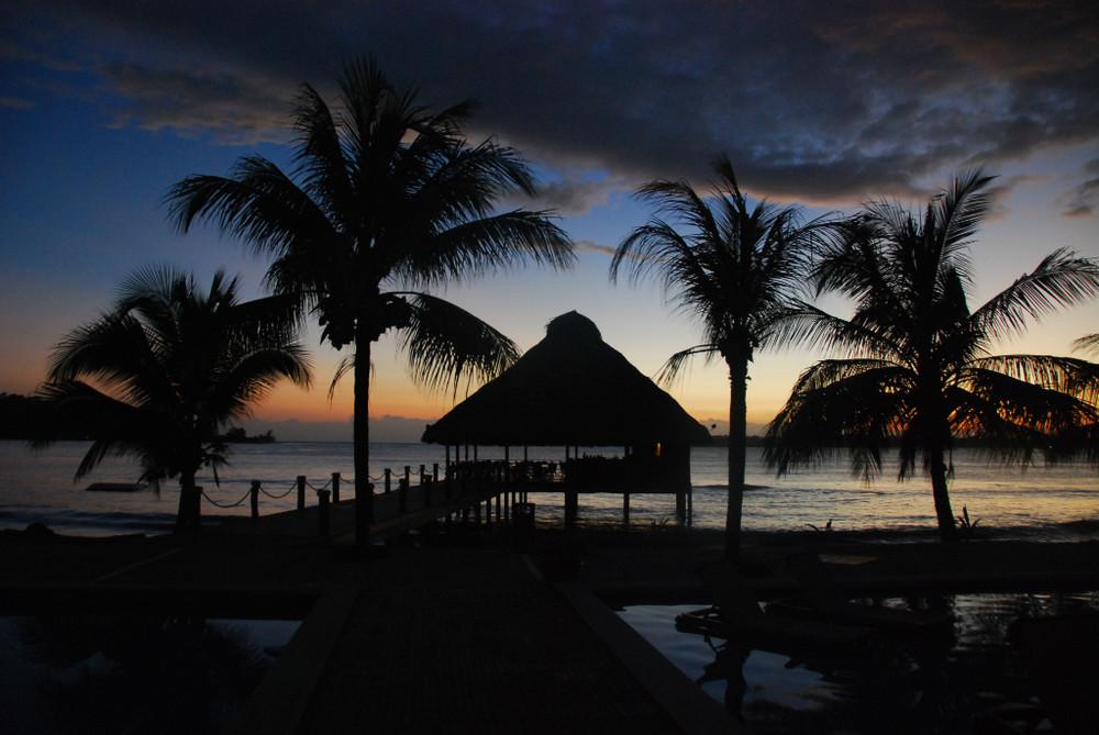 Sunrise at Boca del Toro - Playa Tortuga