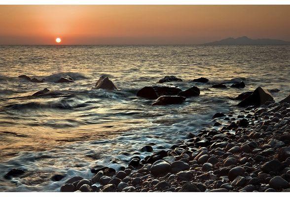 sunrise in santorin