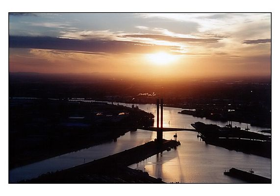 Sunset am Hafen von Melbourne II