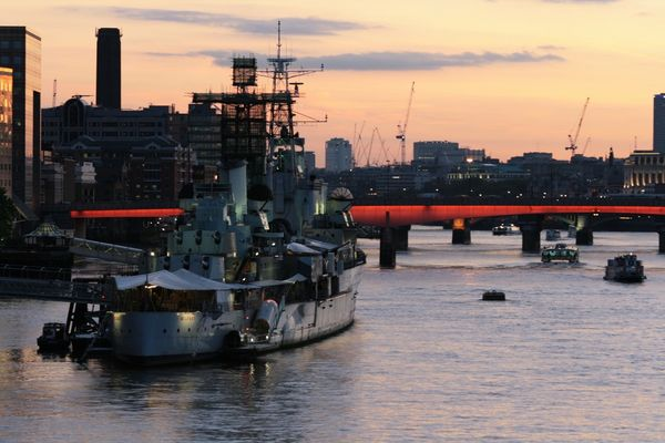 Sunset in London // HMS Belfast // military ship