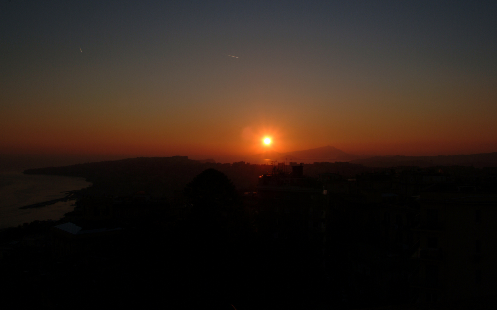 Sunset in Napoli - View towards Pozzuoli and Ischia
