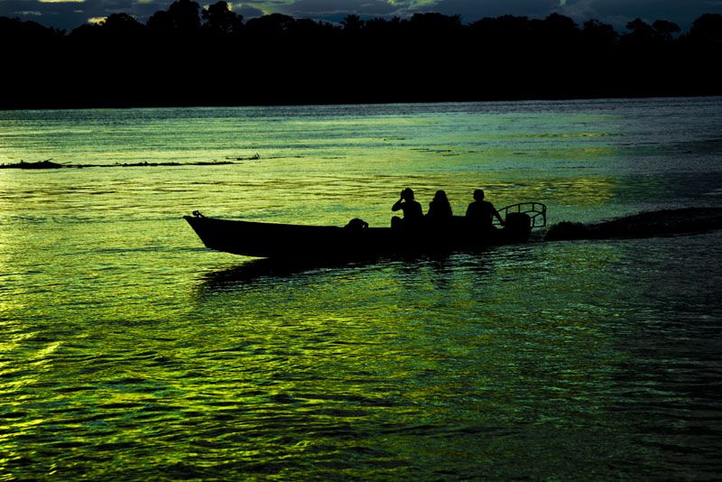 Sunset on de Wood River. Amazonia