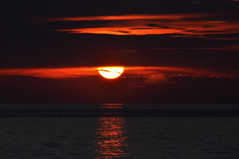 sunset tioman