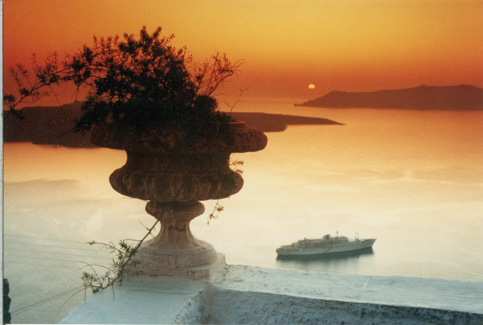 Sunsetdrama with cruiser