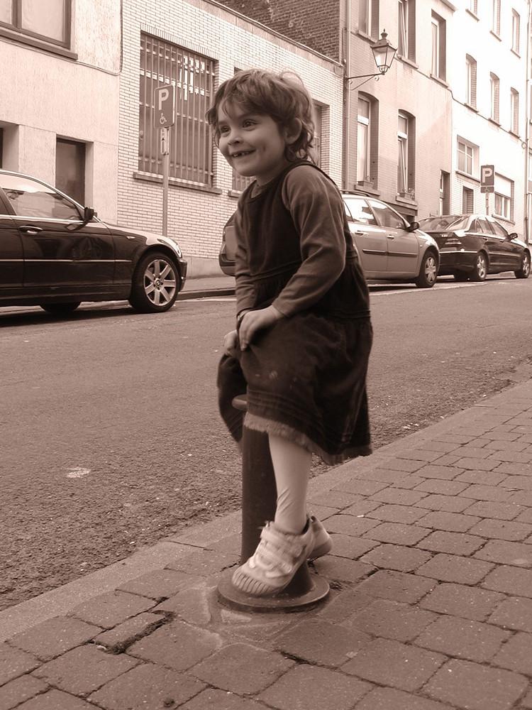 sur la rue