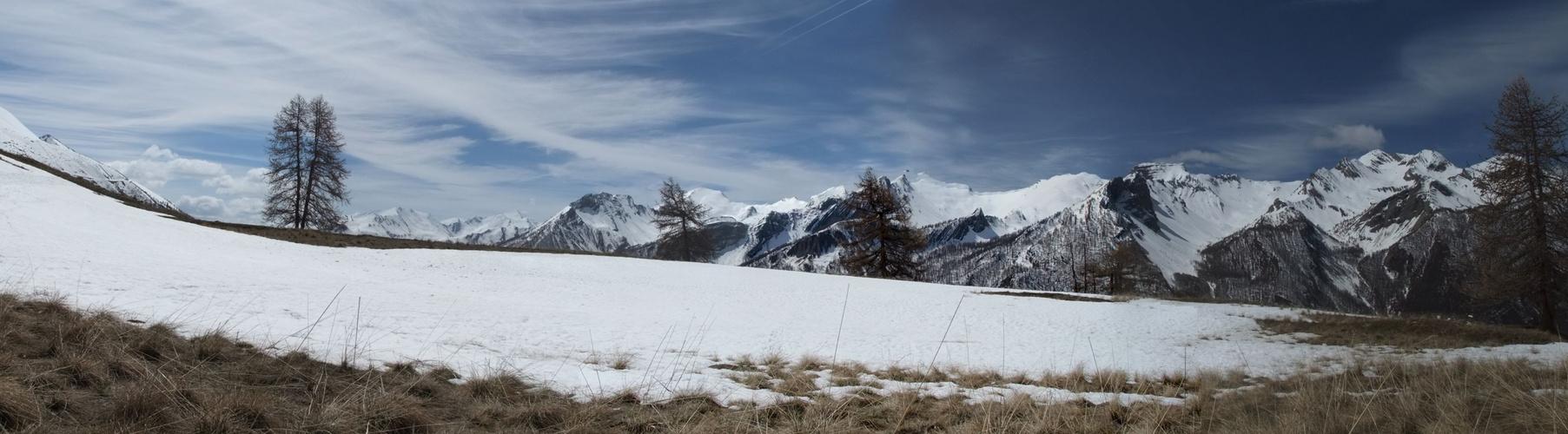 Sur le plateau du Mallemort (O4) en direction de Saint-Ours par le GR 56