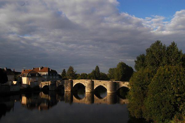 Sur le pont de Chauvigny