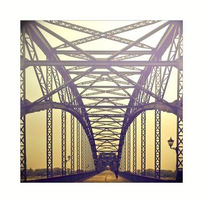 . sur le pont .