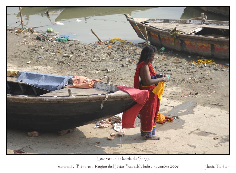 Sur les bords du Gange VARANASI Inde