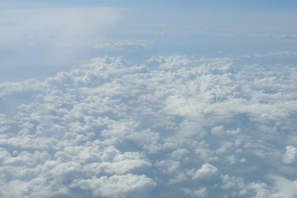 sur les nuages
