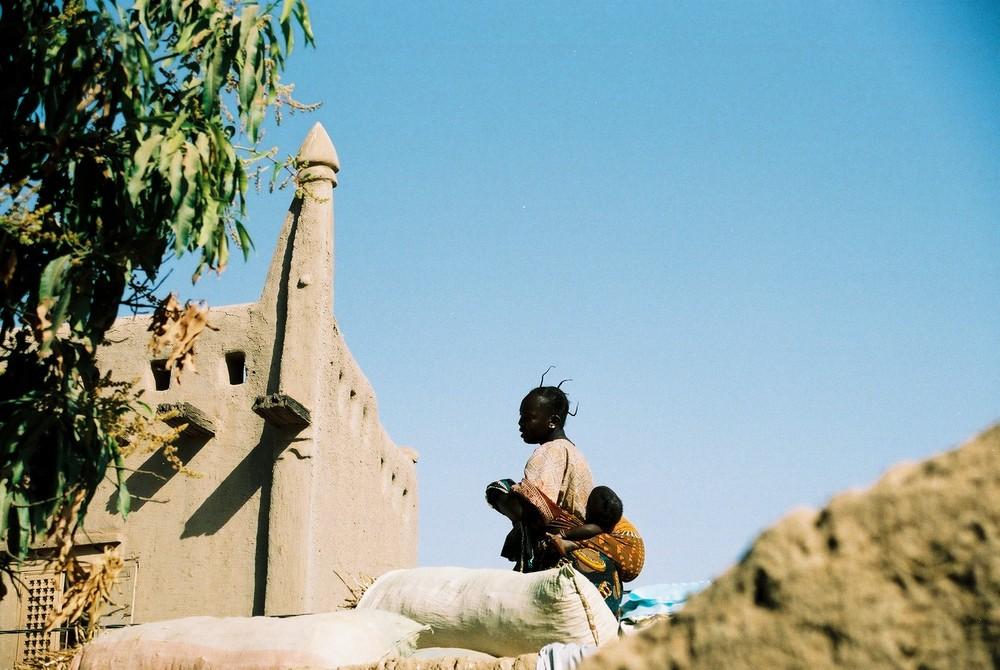 sur les toits de Djéné, Mali