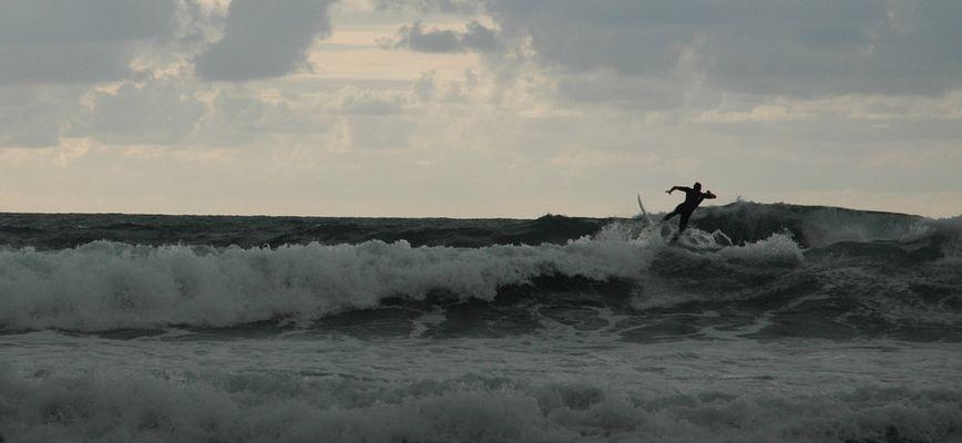 Surf al atardecer