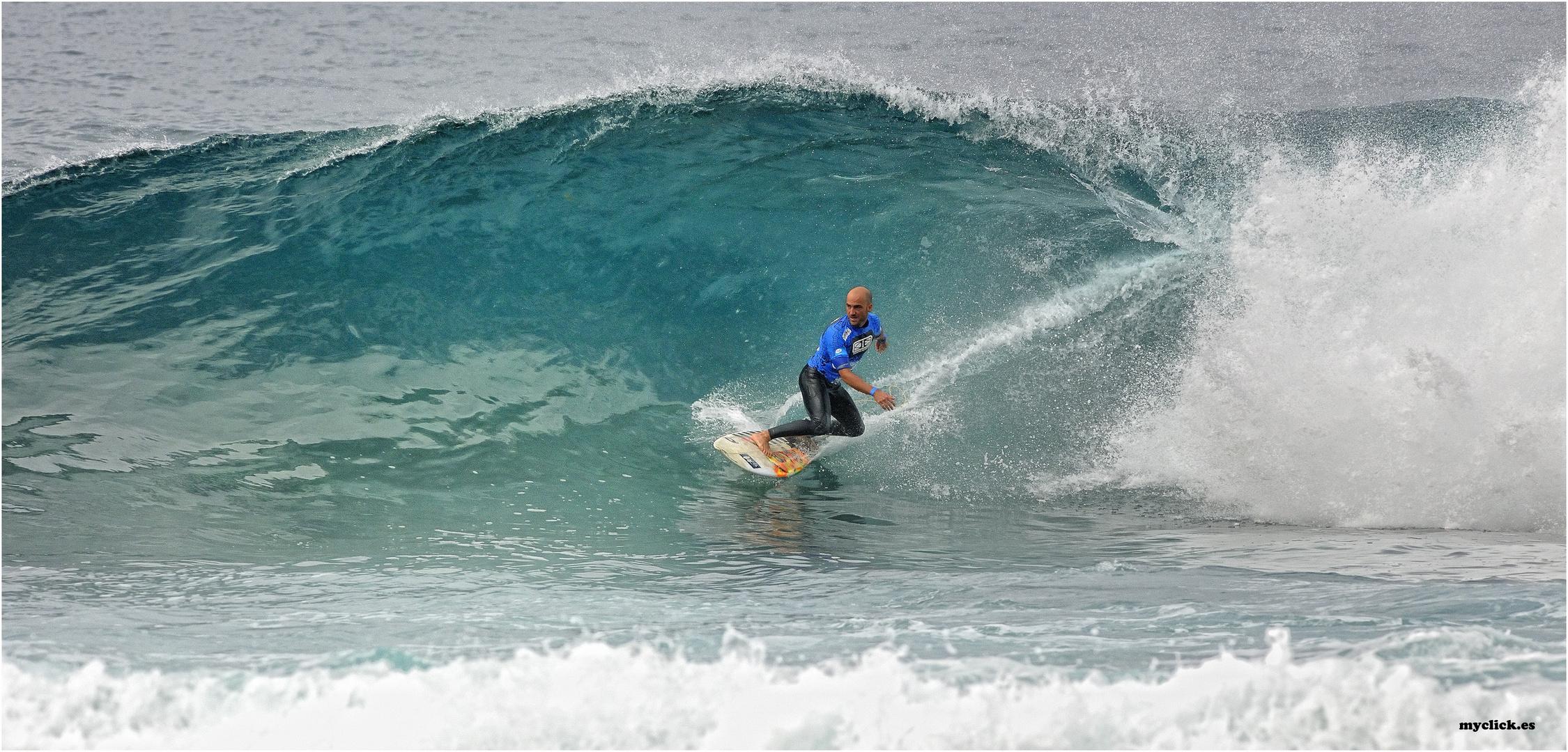 SURFEANDO EN EL CONFI GRAN CANARIA