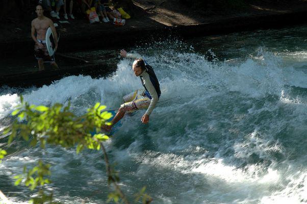 Surfen im Herzen Münchens