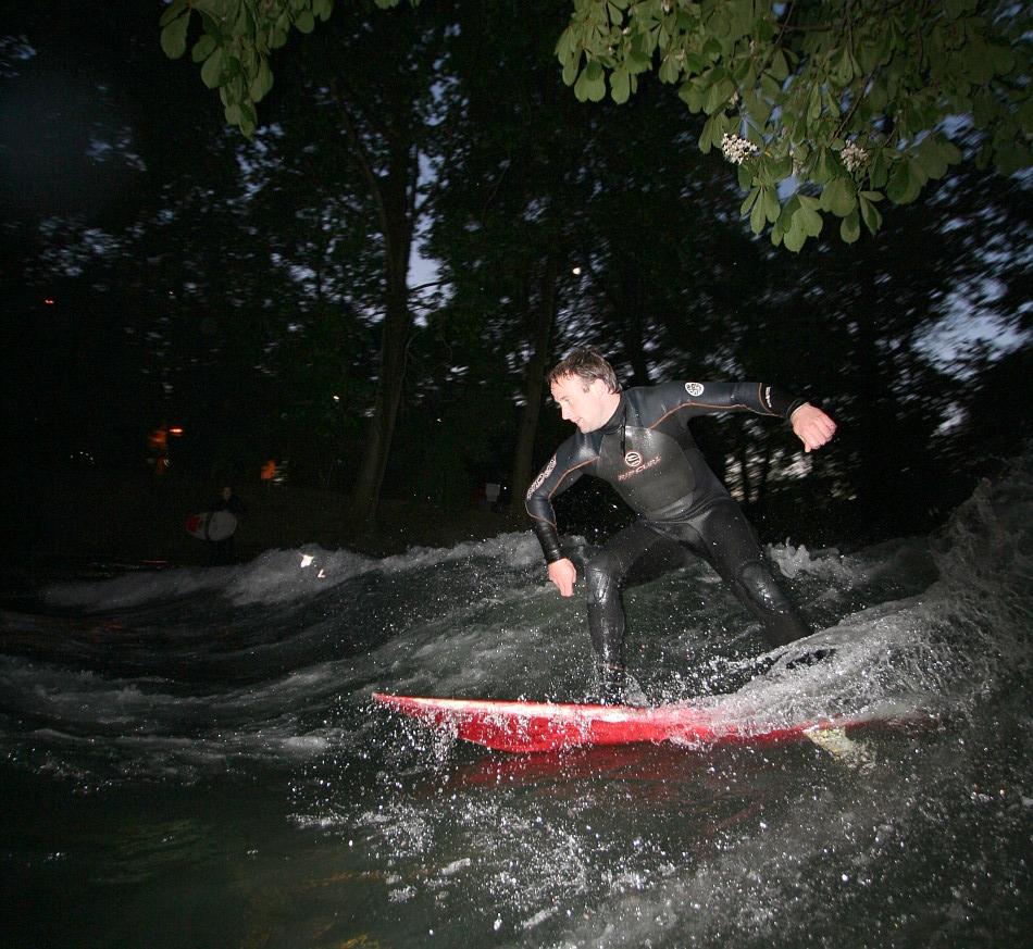 Surfen unter Kastanien