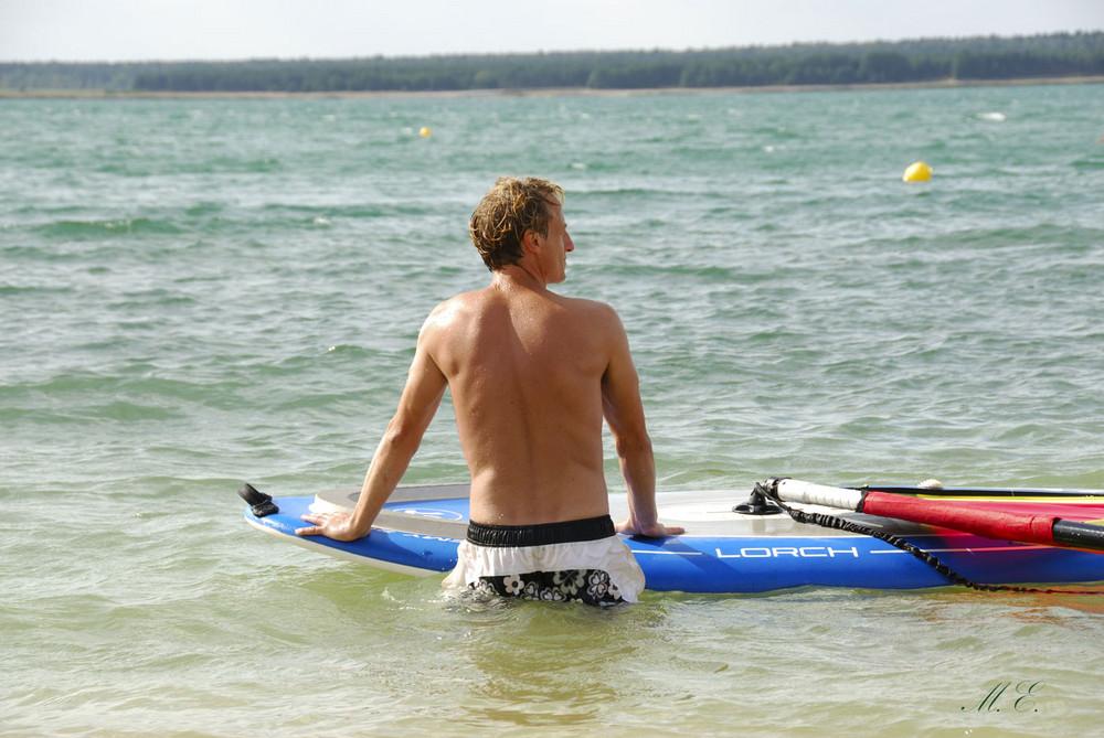 ...  Surfer  ...