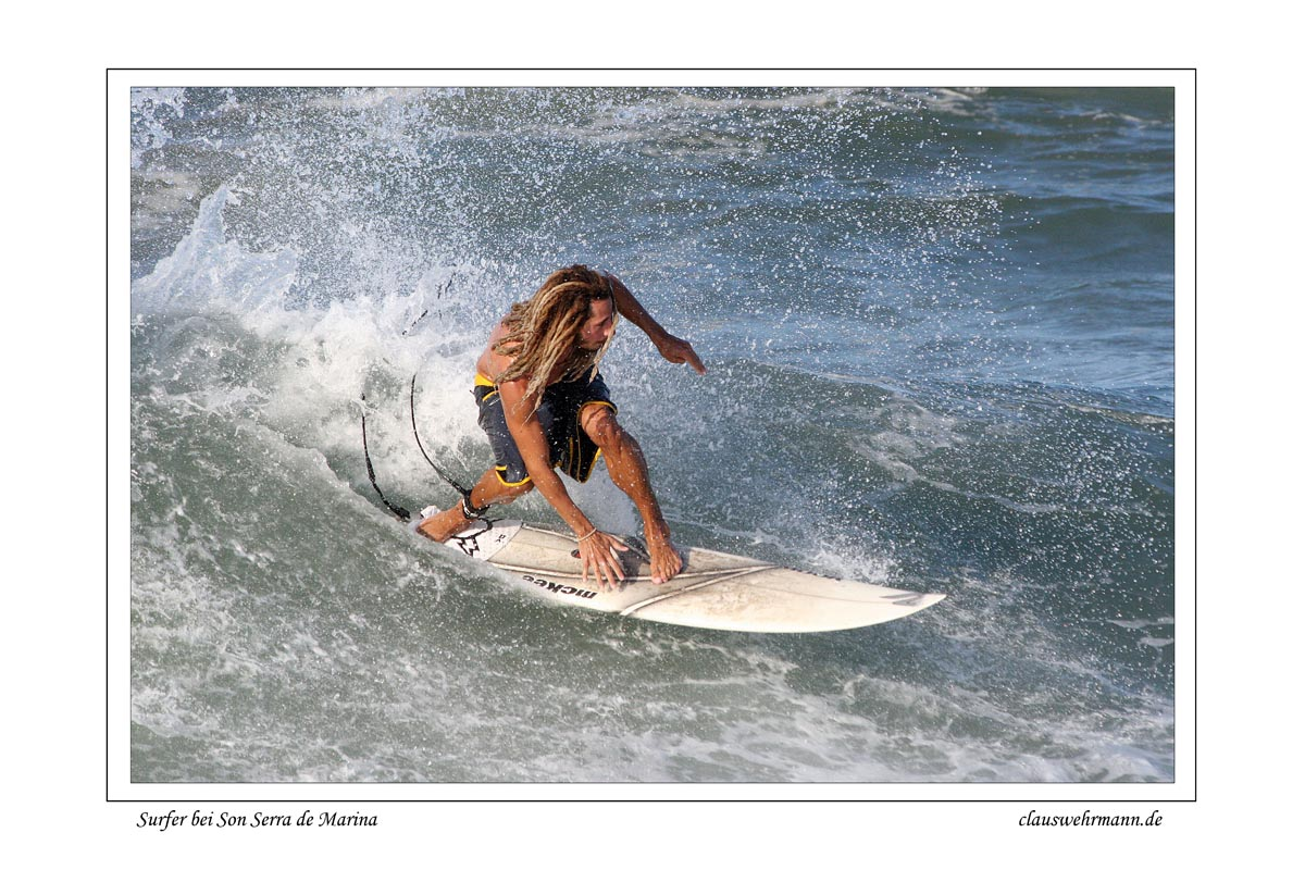 Surfer bei Son Serra de Marina / Mallorca