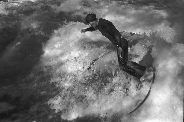 Surfer im Englischen Garten, München