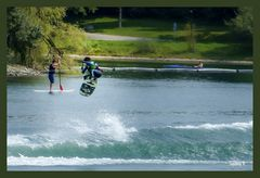 Surfer Kanu Paddler auf dem Fühlinger See