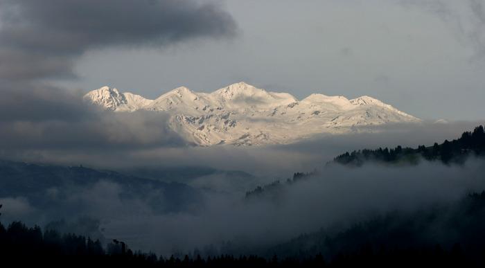 Surselva Bergpanorama von Fidaz aus