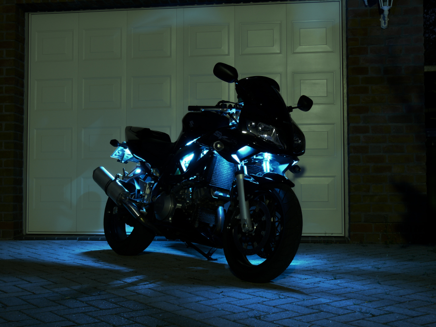 SV1000S at night