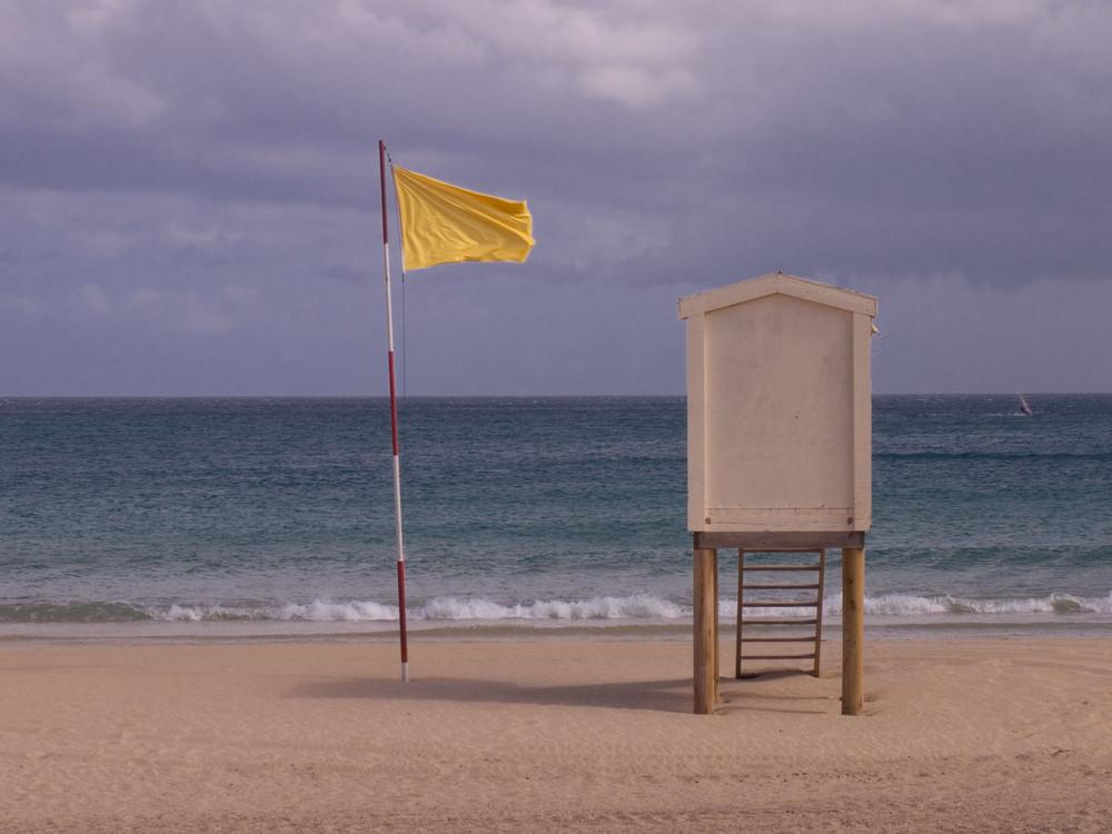 ..sventola bandiera gialla