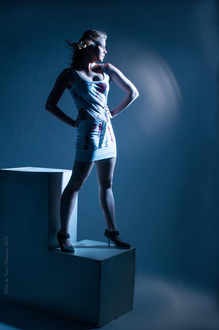 Sweta in blauen Licht