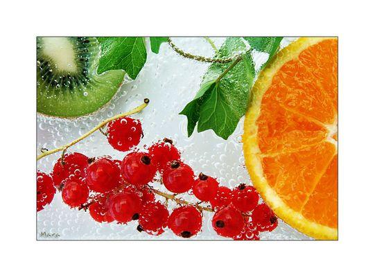 Swimming summerfruits