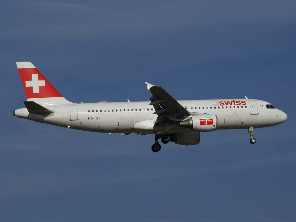 Swiss A32s im Anflug auf Zürich