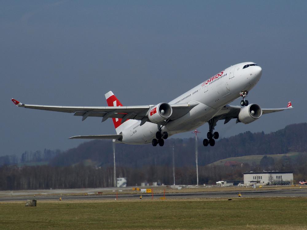Swiss A330 beim Start