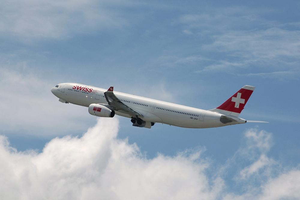 Swiss A330 kurz nach dem TAKE-OFF in LSZH