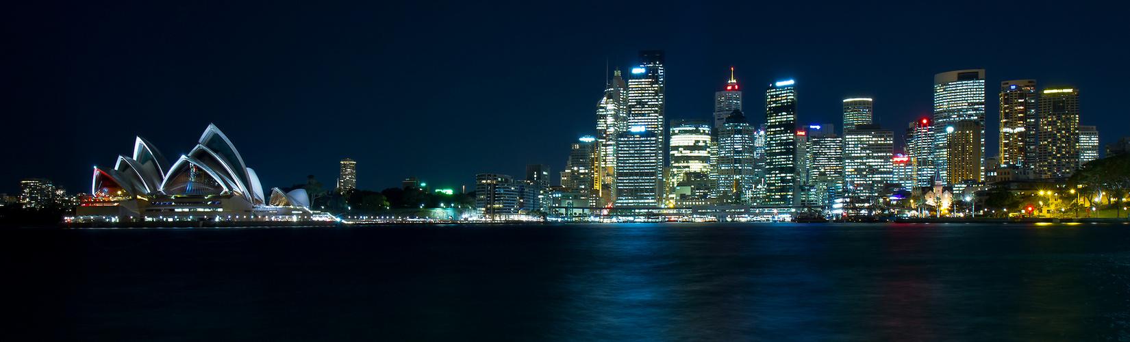 Sydney Hafen und Oper bei Nacht