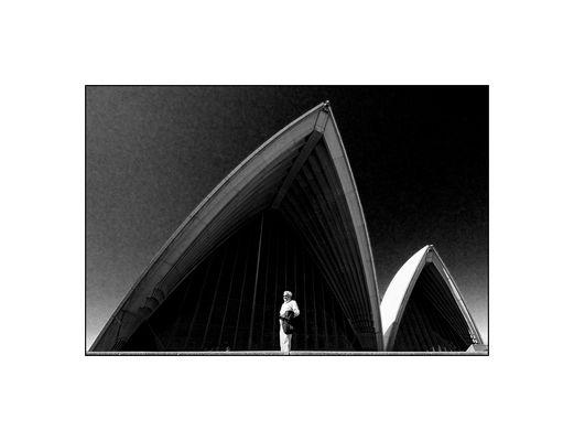Sydney /III\
